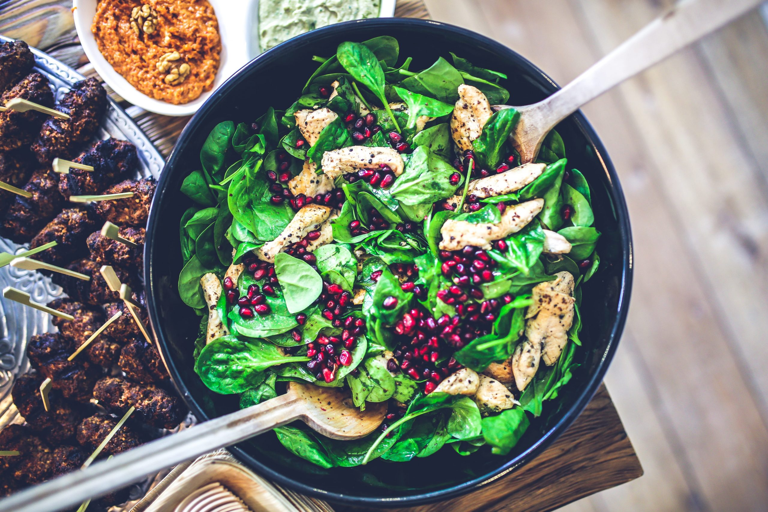 maintain a paleo diet while traveling