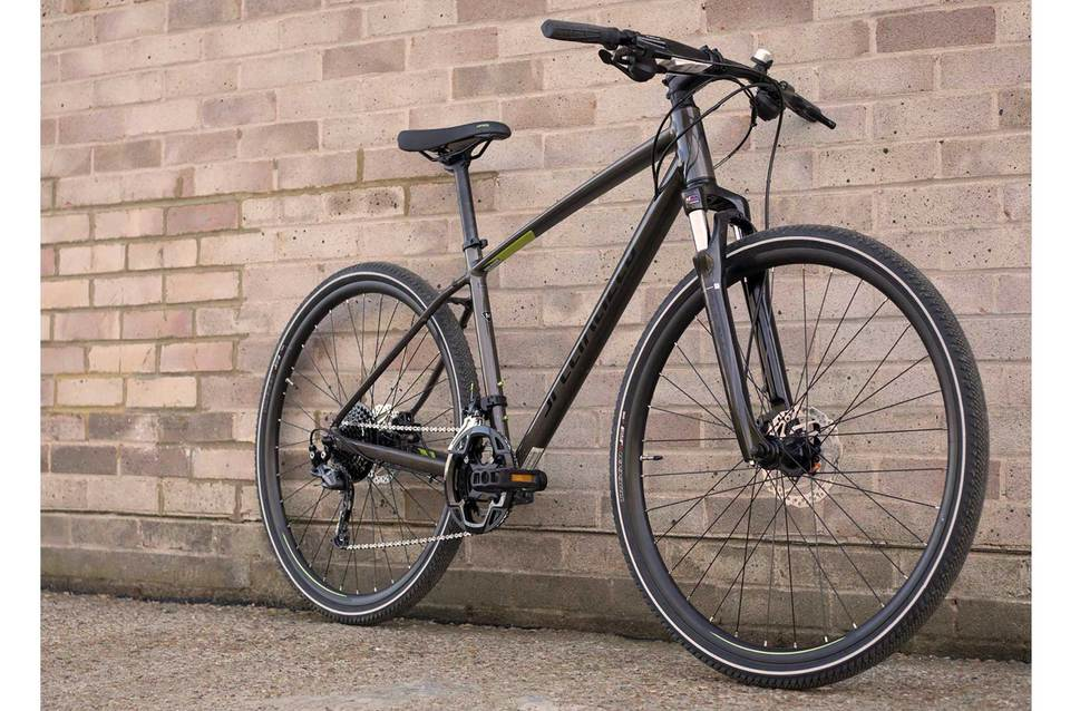 why women should have a hybrid bike to keep their fitness