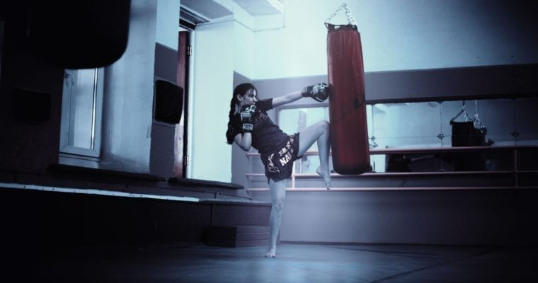 7 Benefits of Working Out On A Heavy Bag