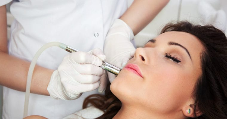 Beauty Book Smarts 101: How Does a Cosmetic Laser Work?