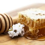 How to Eat Manuka Honey and Why You Should Too