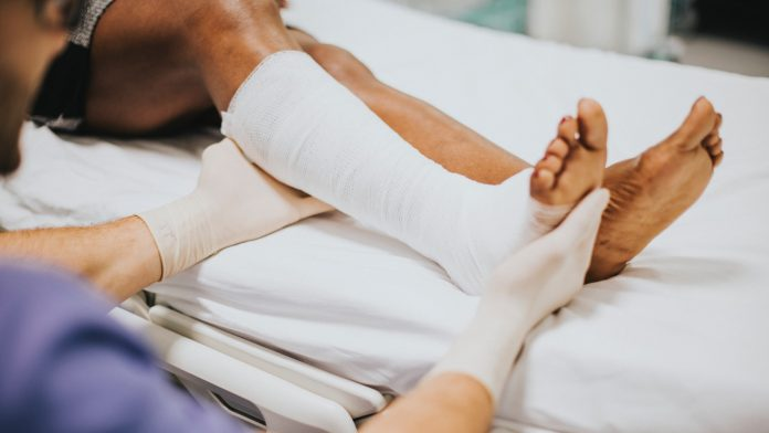 Why You Should Go to Hospital for Wound Treatment