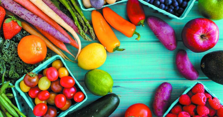 Leading a Healthy Life: How to Incorporate Fruits and Veggies into Your Diet Easily