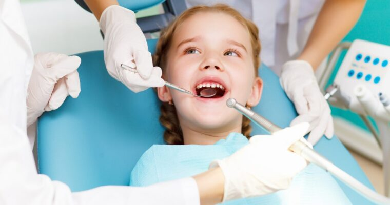 7 Factors to Consider When Choosing Pediatric Dentists for Kids