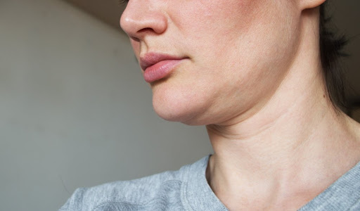 7 Ways to Treat a Double Chin