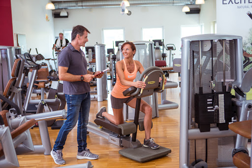 Gym Membership Vs. Home Gym: What Are the 3 Main Pros and Cons of Each?