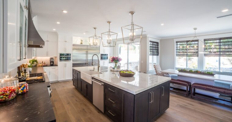 WHY CHOOSE A CUSTOM CONTRACTOR FOR KITCHEN REMODELLING