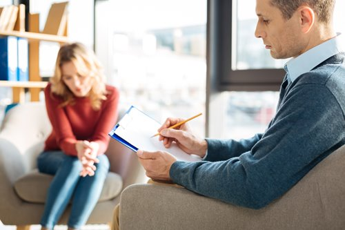 Four Telltale Signs That You Need To Change Your Therapist Right Now