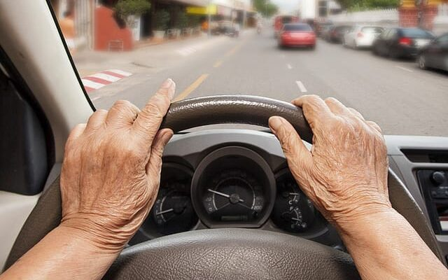 5 Tips for Seniors Who Want to Continue Driving