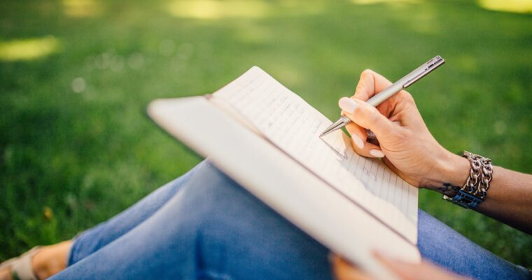 How Writing Down Your Thoughts Can Combat Anxiety