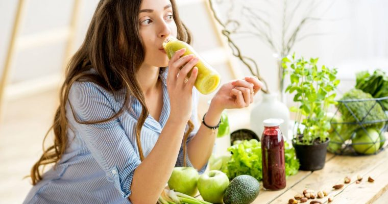 Best Detoxes To Beat Gas & Bloating
